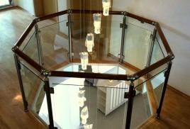 От чего зависит стоимость перил для лестниц из стекла?