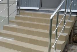 Лестничные ограждения и дизайн экстерьера